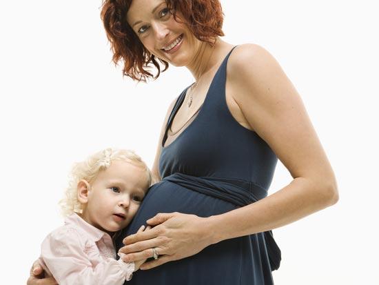 הריון הורים אמא תינוק ילדה / צלם: פוטוס טו גו